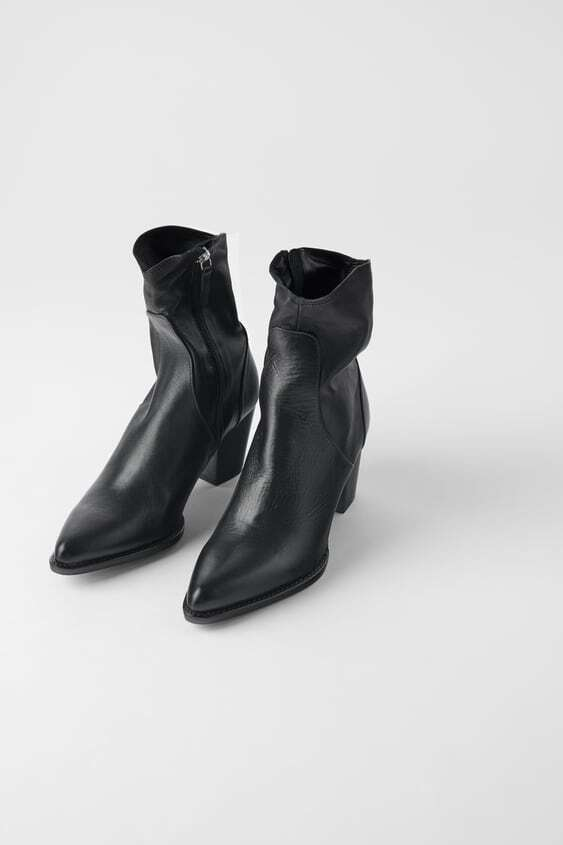 BLACK LEATHER HEELED COWBOY ANKLE BOOTS