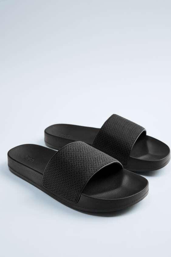 BLACK MONOCROM FOOT BACK SANDALS