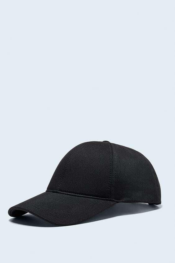 BLACK TEXTURED SOFT CAP