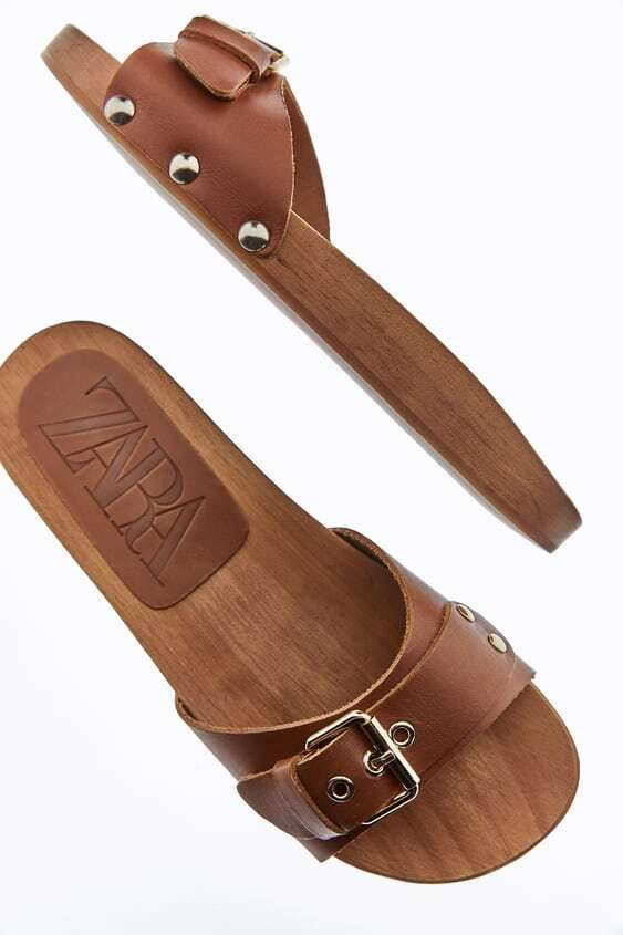 BROWN FLAT LEATHER SANDALS WITH WOODEN SOLE
